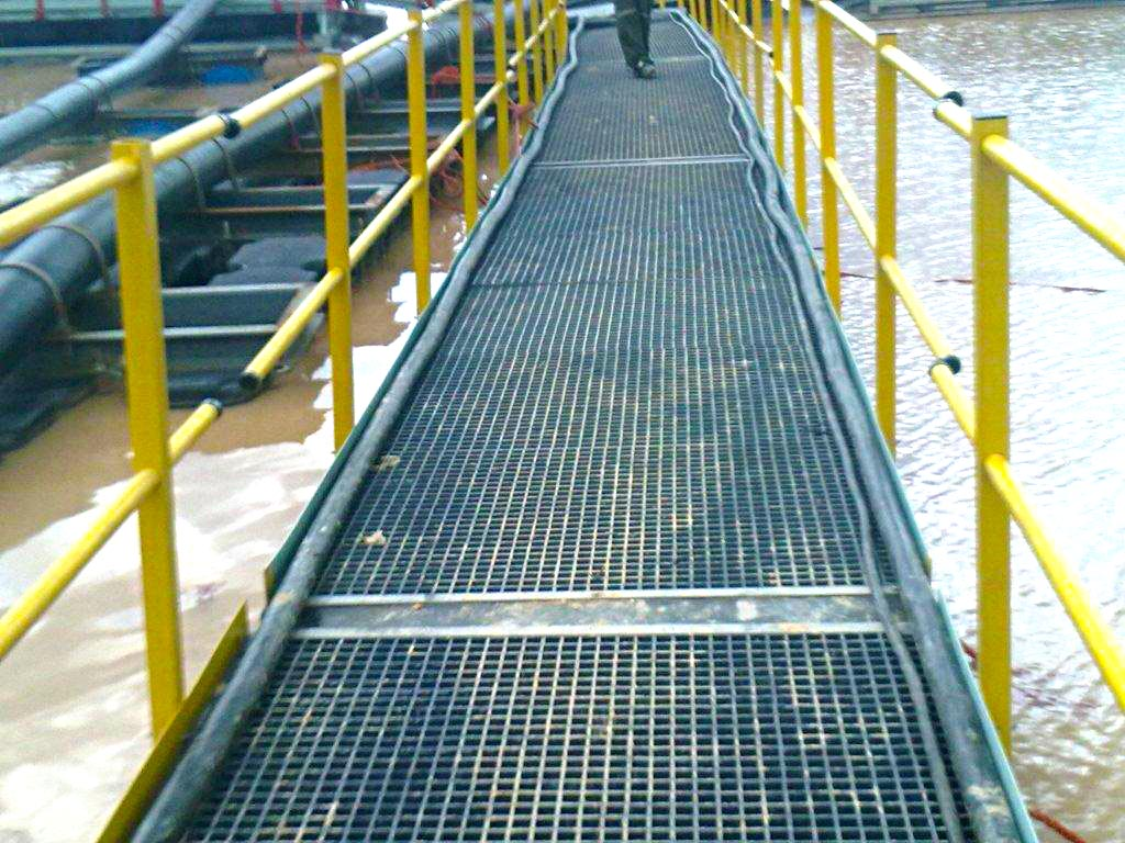 Trugrid floating walkway-5